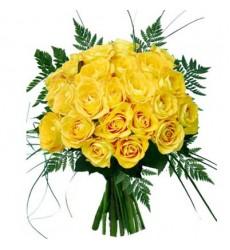 Букет из 25 жёлтых роз и зелени «Золотая крона»