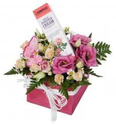 Подарочная коробка с цветами, декором и кремом для тела Dr.K «Секрет Клеопатры»