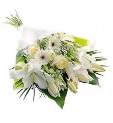Букет из 3 лилий, 3 эустом, 3 роз и 3 гербер «Вивьен »