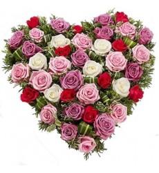 Цветочная композиция из 39 роз и зелени «Необыкновенная моя»