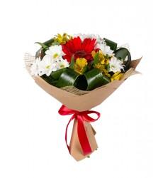 Букет из 2 альстромерий и 3 кустовых хризантем «Первое свидание»