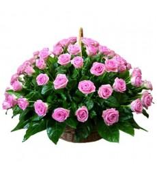 Корзина цветов с 51 розовой розой «Фелиция»