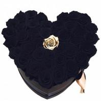 Цветочная композиция из 40 чёрных и 1 золотой роз «Шарм ночи»