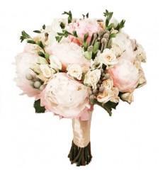 Букет невесты из 9 пионов и 8 кустовых роз «Нежная акварель»
