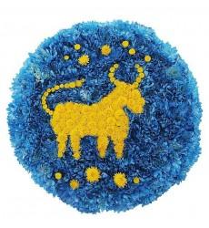Цветочная композиция из 40 синих и 10 жёлтых кустовых хризантем «Зодиакальный Телец»