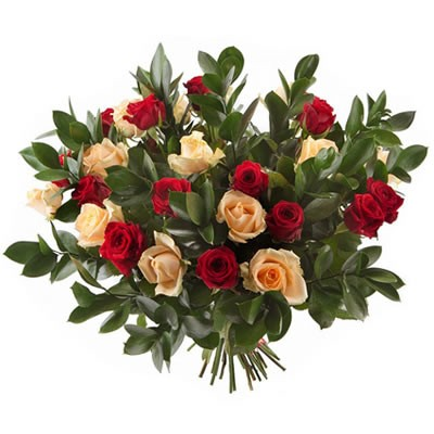 Букет из 25 роз и 11 рускусов «Да Винчи»