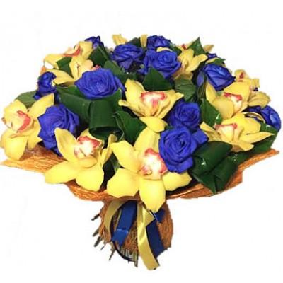 Букет из 15 синих роз и ветки орхидеи «Глаза Клеопатры»