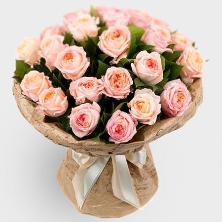 Букет из 21 кремовой пионовидной розы «Грация»