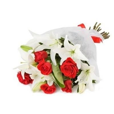 Букет из 7 красных роз «Красный бархат»