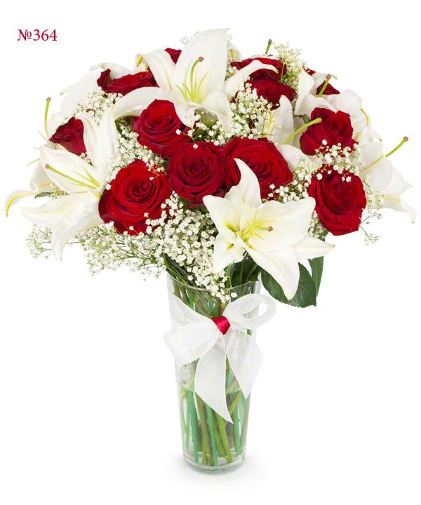 Букет из 15 роз, 5 веток лилии и зелени «Лилиана»