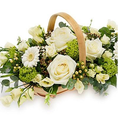 Цветочная композиция из 4 роз, 5 эустом, 3 гербер и зелени «Свадебный звон»