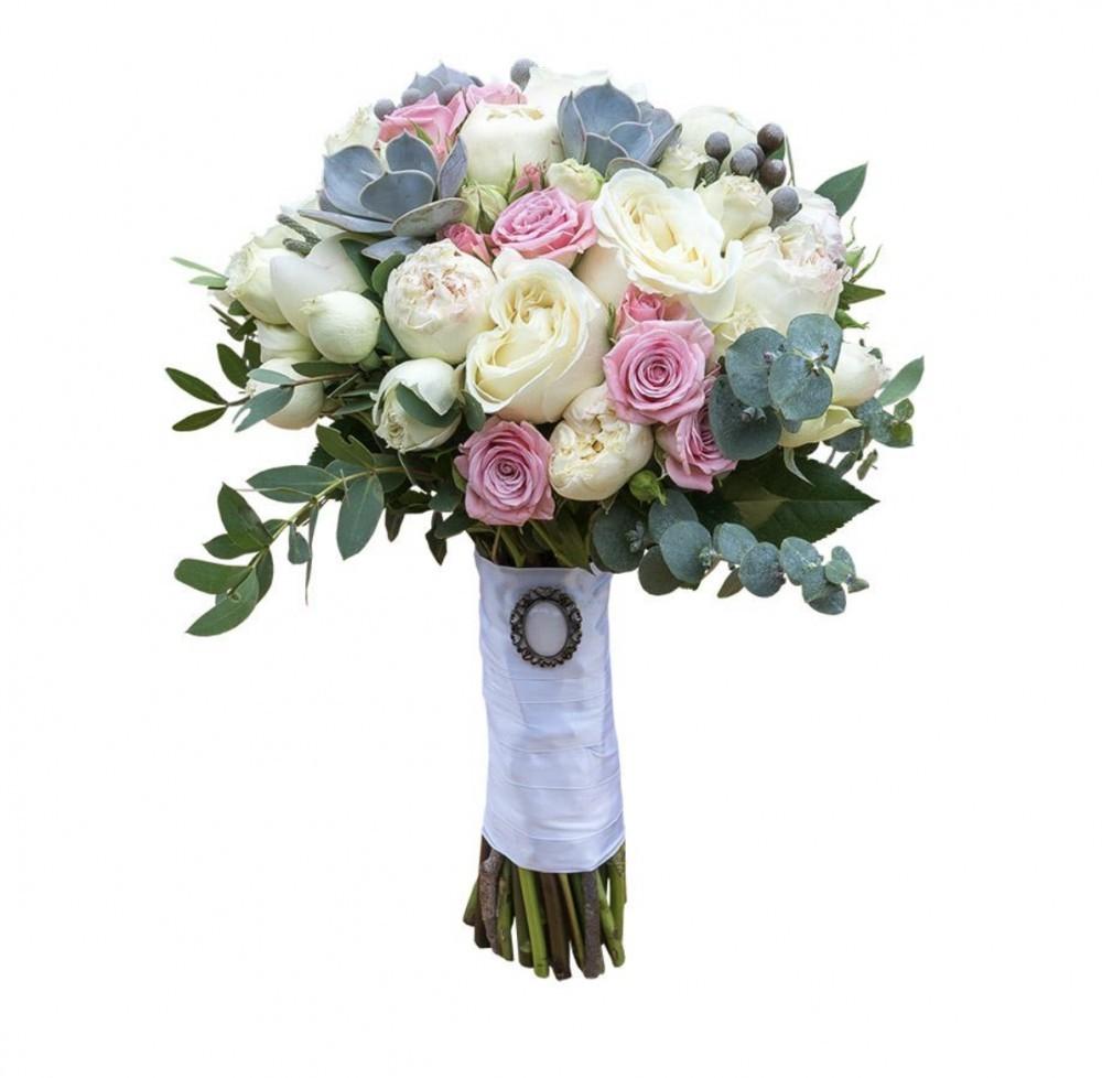 Букет невесты из 10 одноголовых и 20 кустовых роз «Свадебная сказка»