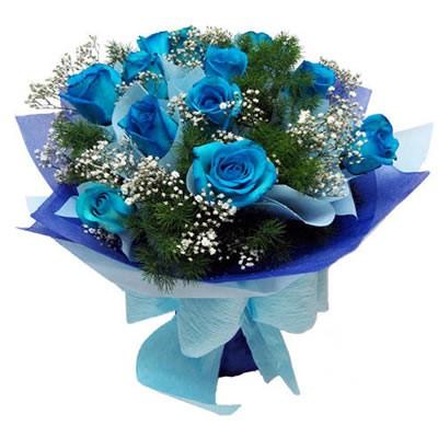 Букет из 11 синих роз и зелени «Аквамарин»