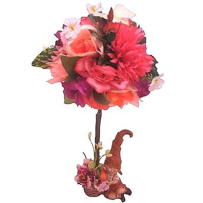 Композиция из искусственных цветов, фруктов и гнома «Сказочный гном»