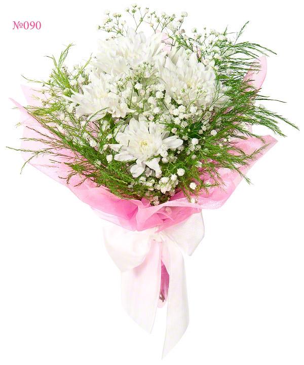 Букет из кустовых хризантем и зелени «Нежный полумесяц»
